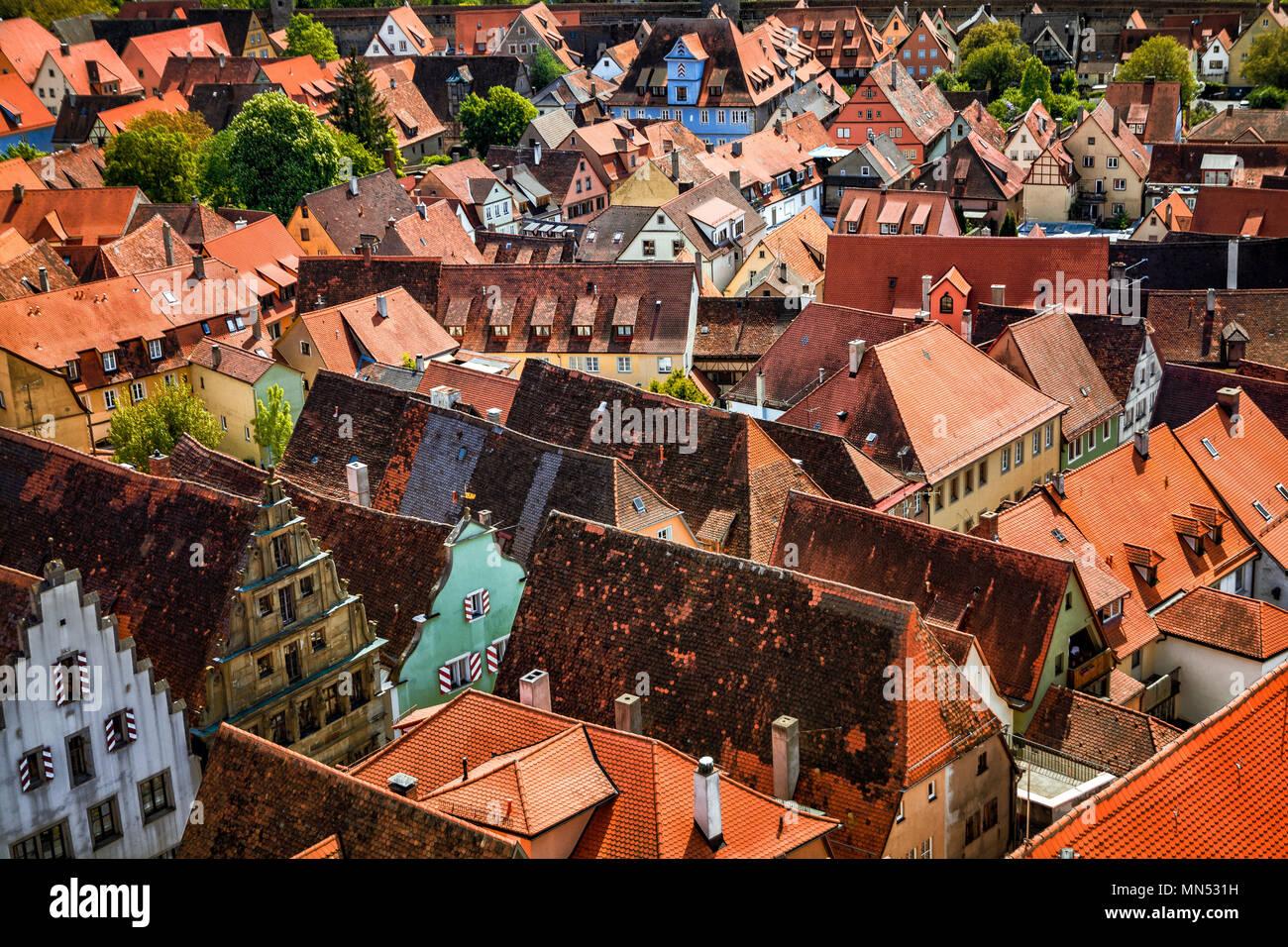 Antena de verano escénico panorama del casco antiguo en Rothenburg ob der Tauber, Baviera, Alemania Foto de stock
