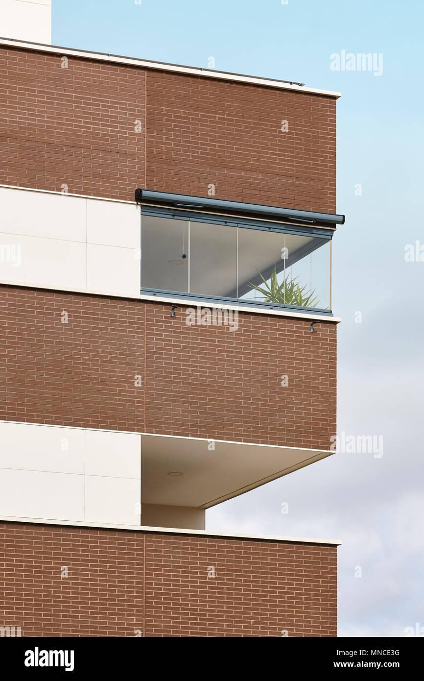 Nuevo Edificio Fachada Exterior Con Terraza La Construcción