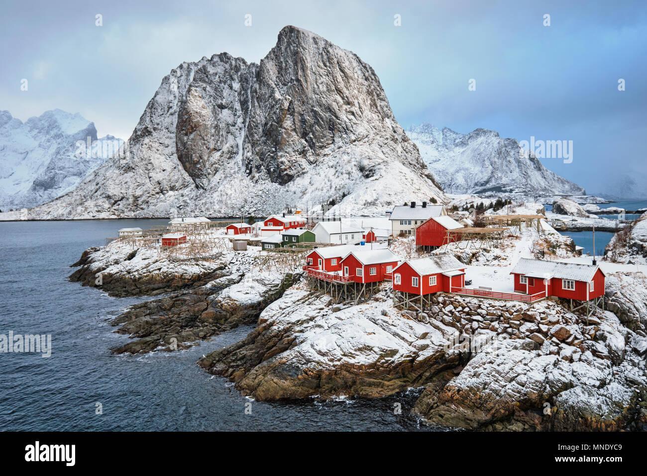 Hamnoy poblado pesquero en las islas Lofoten, Noruega Foto de stock