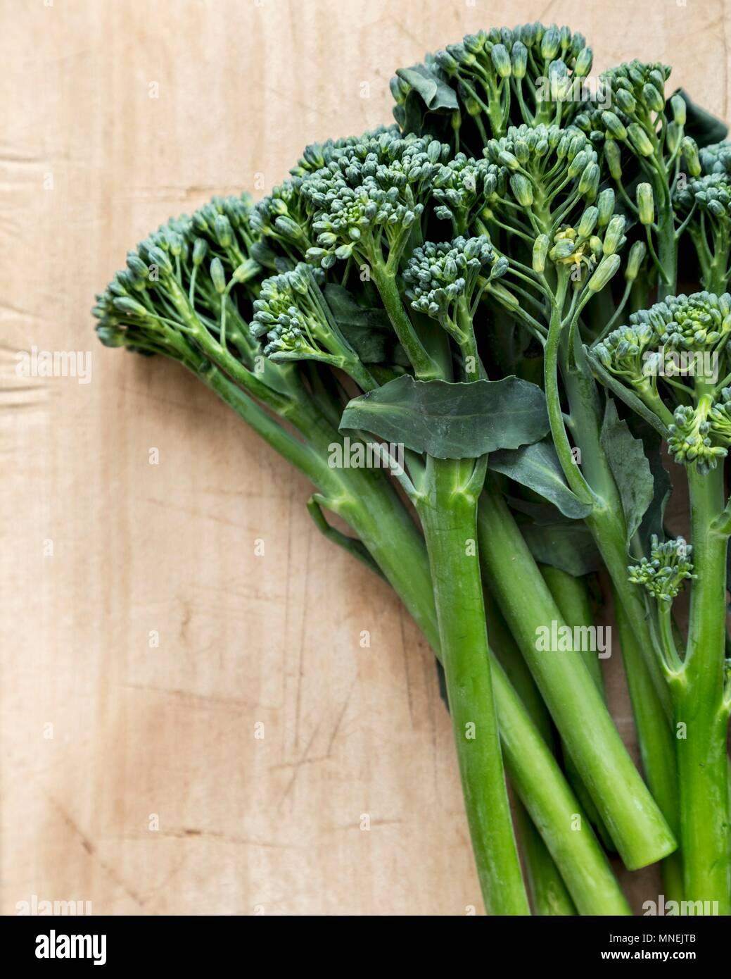 Broccolini fresco Foto de stock