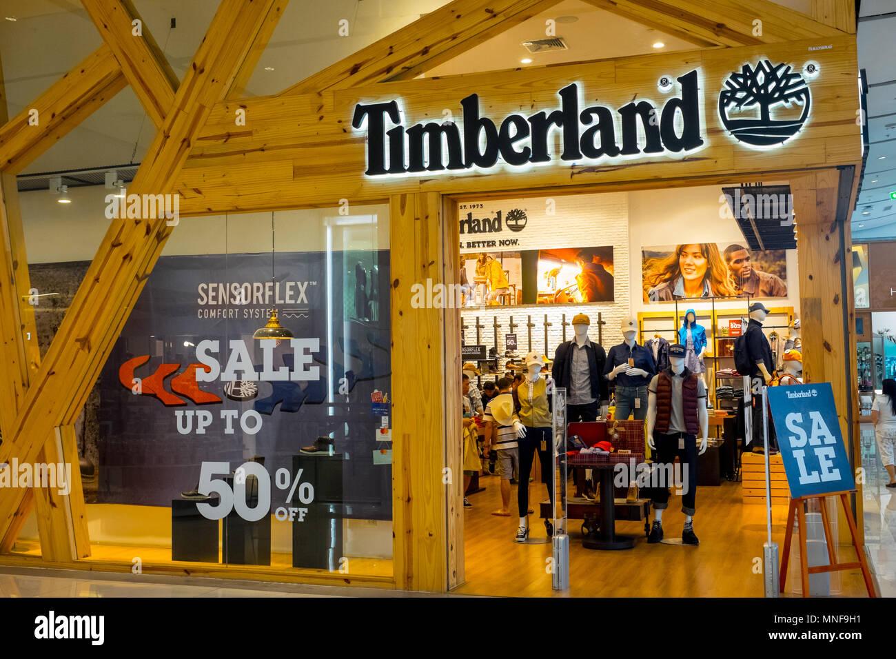 sin Casa Cañón  Bangkok, Tailandia - Enero 29, 2017 : Timberland store en el mundo Central  Department Store venta hasta un 50 Fotografía de stock - Alamy