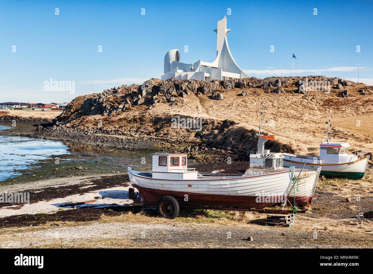 16 de abril de 2018: la Iglesia, la península de Snaefellsness Stykkisholmur, oeste de Islandia - Una iglesia que también se utiliza como sala de conciertos. Imagen De Stock