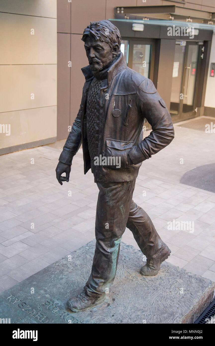 Monumento del Coronel Ryszard Kuklinski quien como una guerra fría espía con nombre en código Jack Strong pasó top secret documentos del Pacto de Varsovia a la CIA entre 1972 y Imagen De Stock