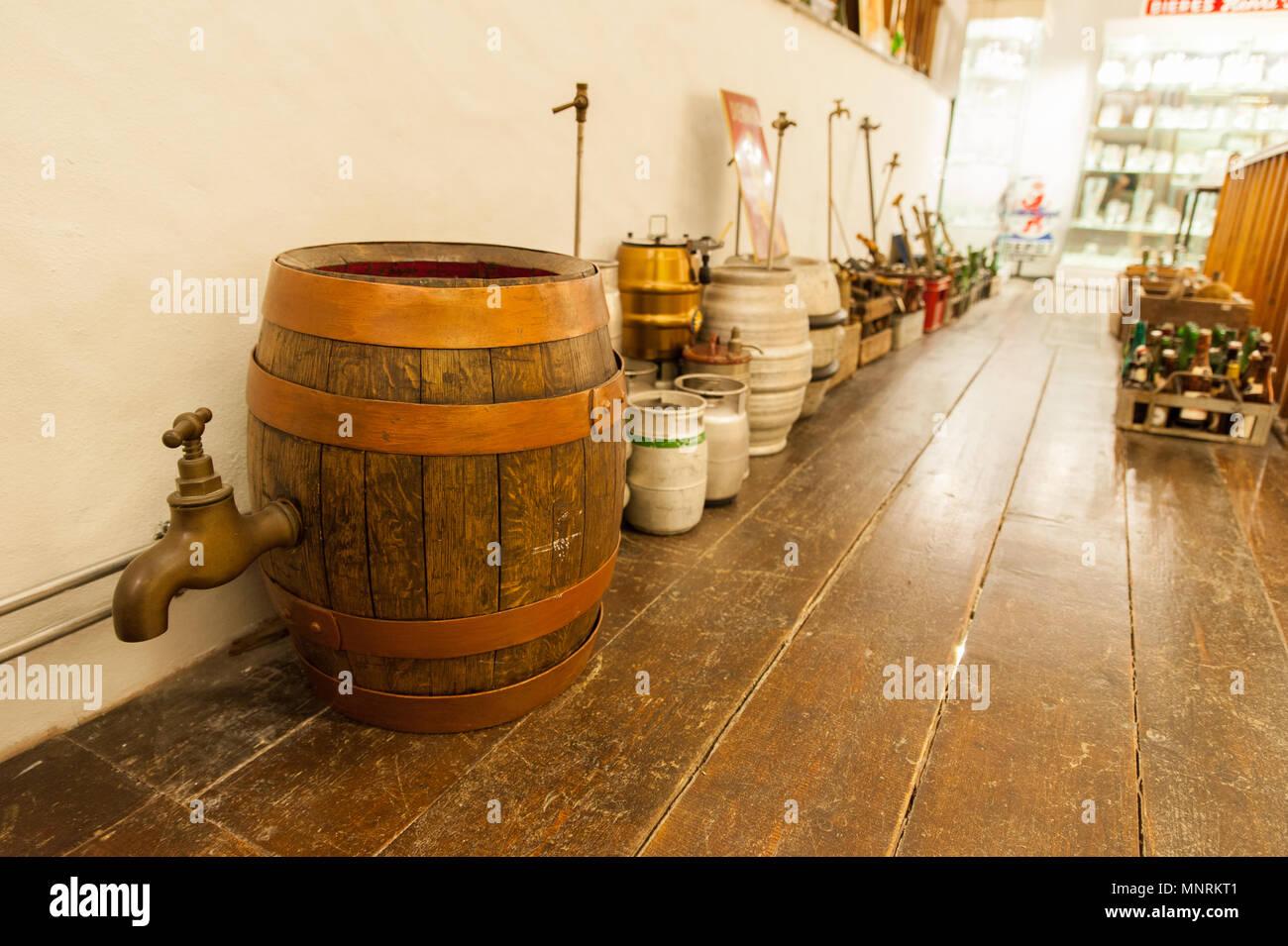 Museo de la Cervecería Nacional, Wiltz, Luxemburgo.Las exposiciones ofrecen una visión general de 6000 años de historia en la fabricación de cerveza. Imagen De Stock