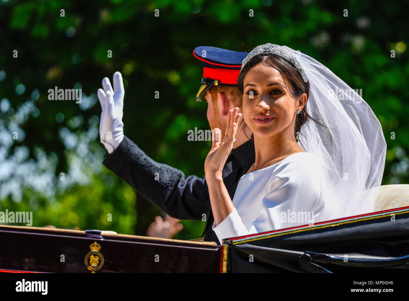 Meghan Markle Y Príncipe Harry Procesión Del Carro Después