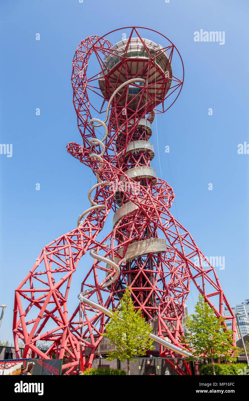 Arcelormittal Orbit escultura, con el más alto y largo túnel deslizar en el Queen Elizabeth Olympic Park en Londres Imagen De Stock