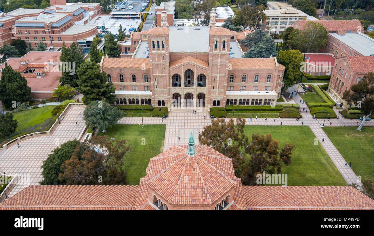 Royce Hall, Dickson Corte, campus de UCLA, Universidad de California en Los Angeles, California Foto de stock
