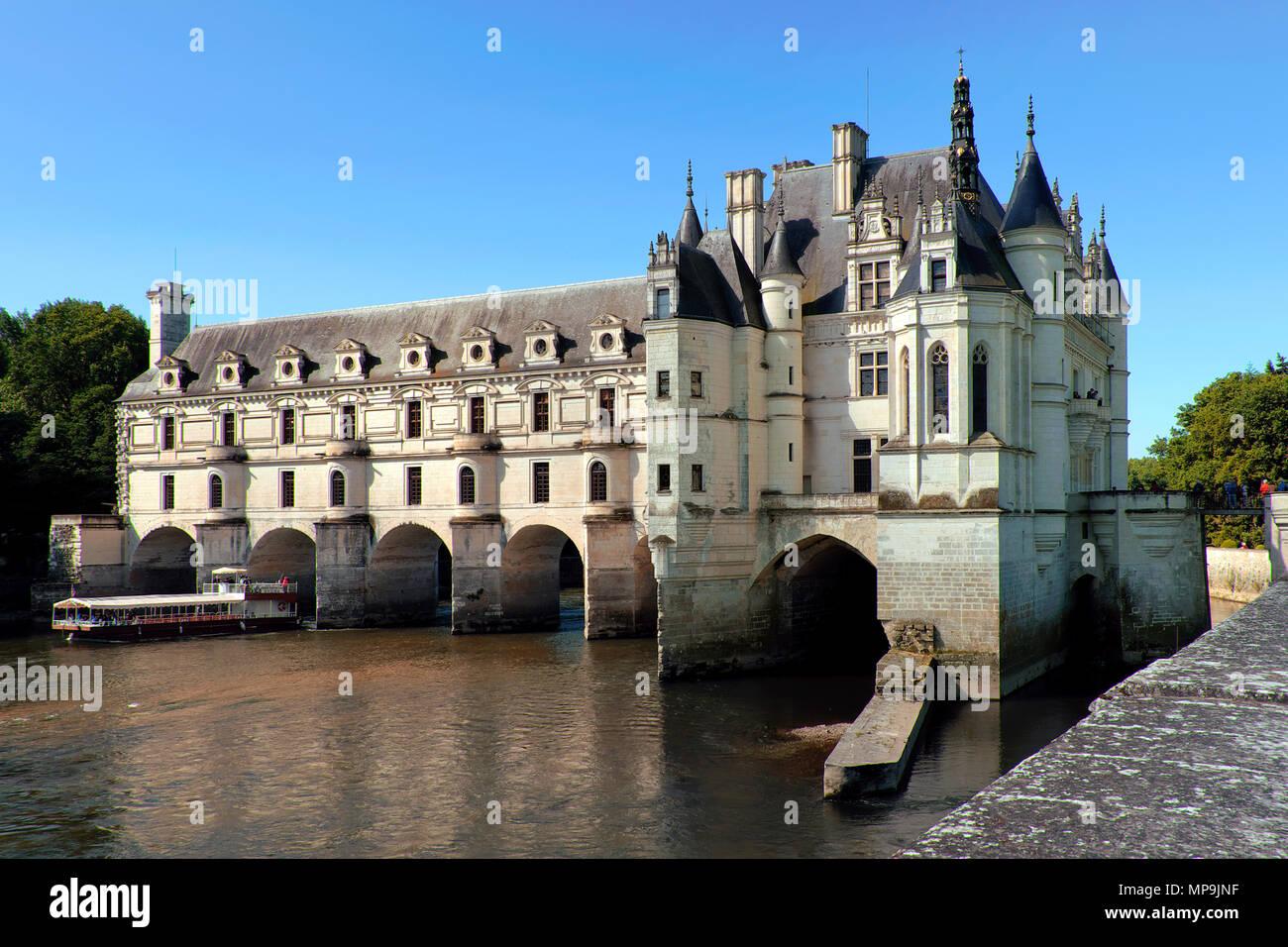 Viaje en barco por el río Cher de Château de Chenonceau, Chenonceaux, Valle del Loira, Center-Val de Loire, Francia Imagen De Stock
