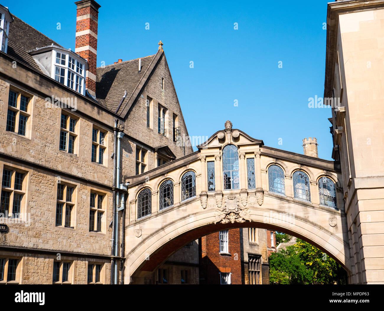 Puente de los Suspiros, Skyway, Hertford College, New College Lane, Oxford, Oxford, Inglaterra, Reino Unido, GB. Imagen De Stock
