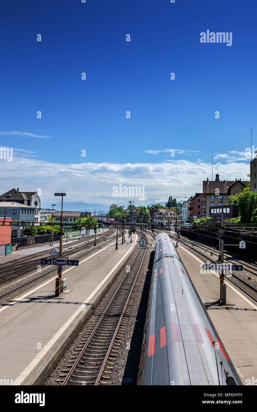 Train Station Wallpaper Imágenes De Stock Train Station