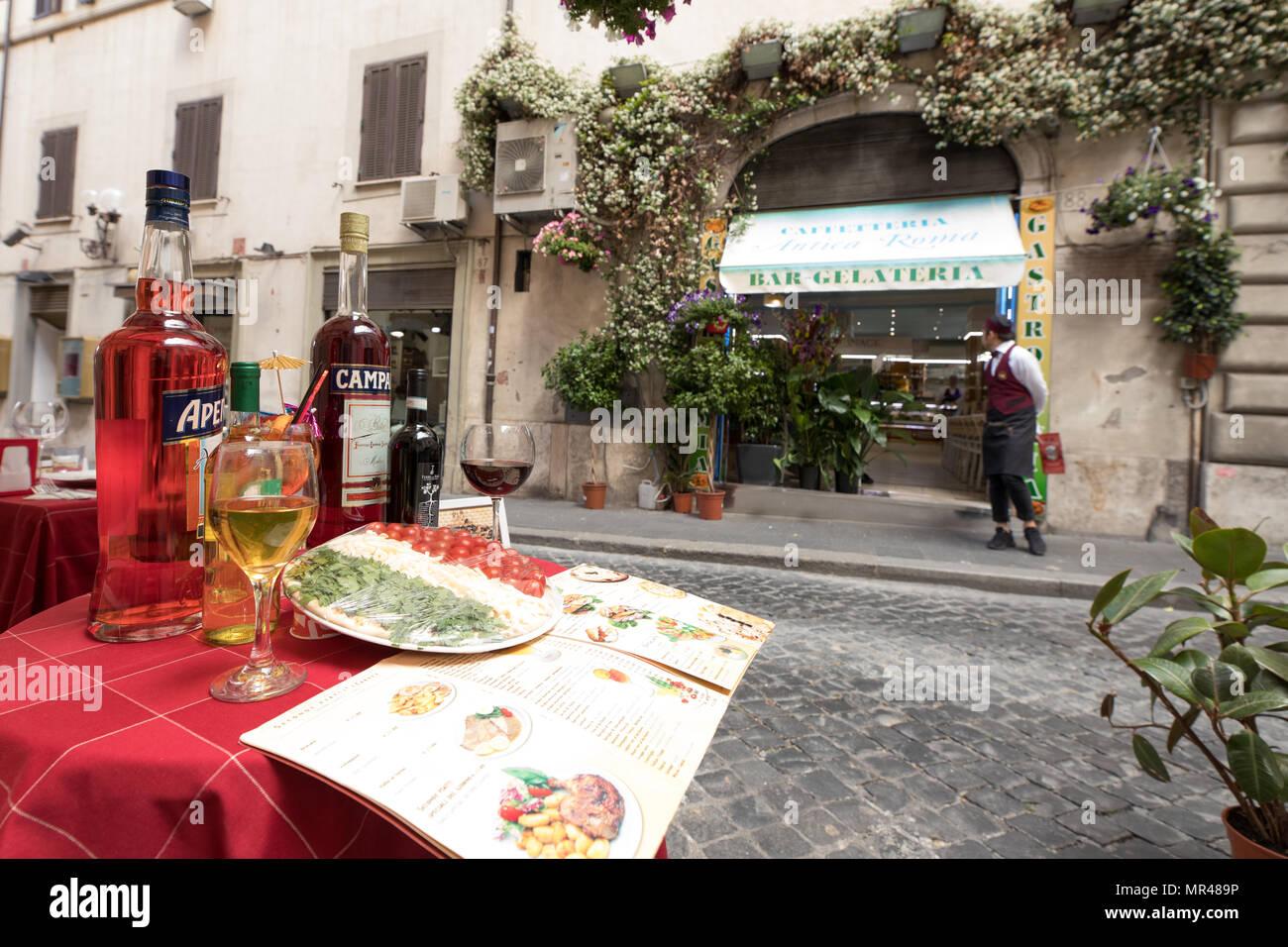 Roma Restaurante Bar Terraza En La Calle Roma Italia Foto