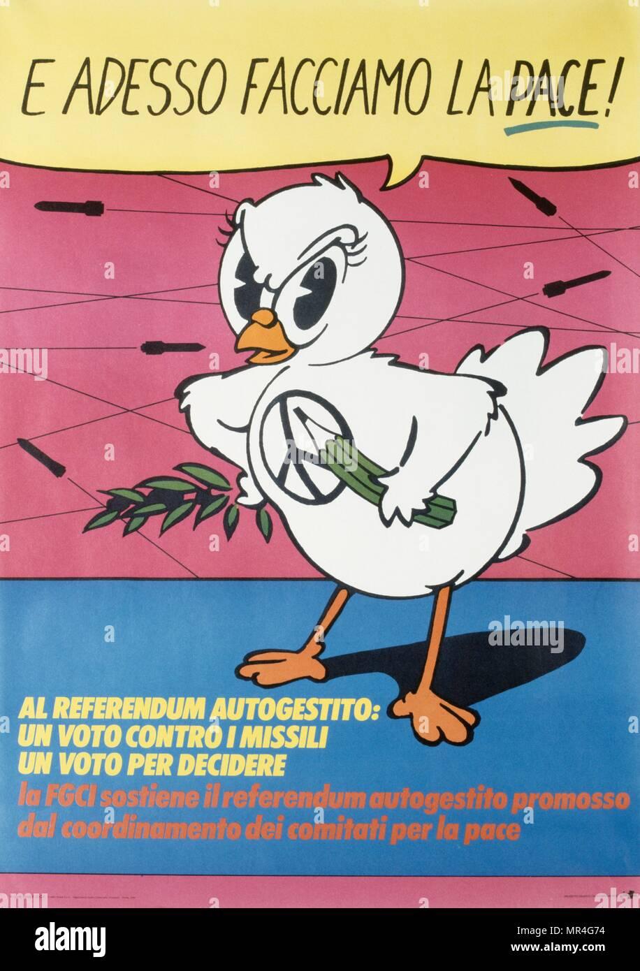 Italiano, anti-armas nucleares, contra la guerra, la paz, el póster de la campaña durante la guerra fría 1983 Imagen De Stock