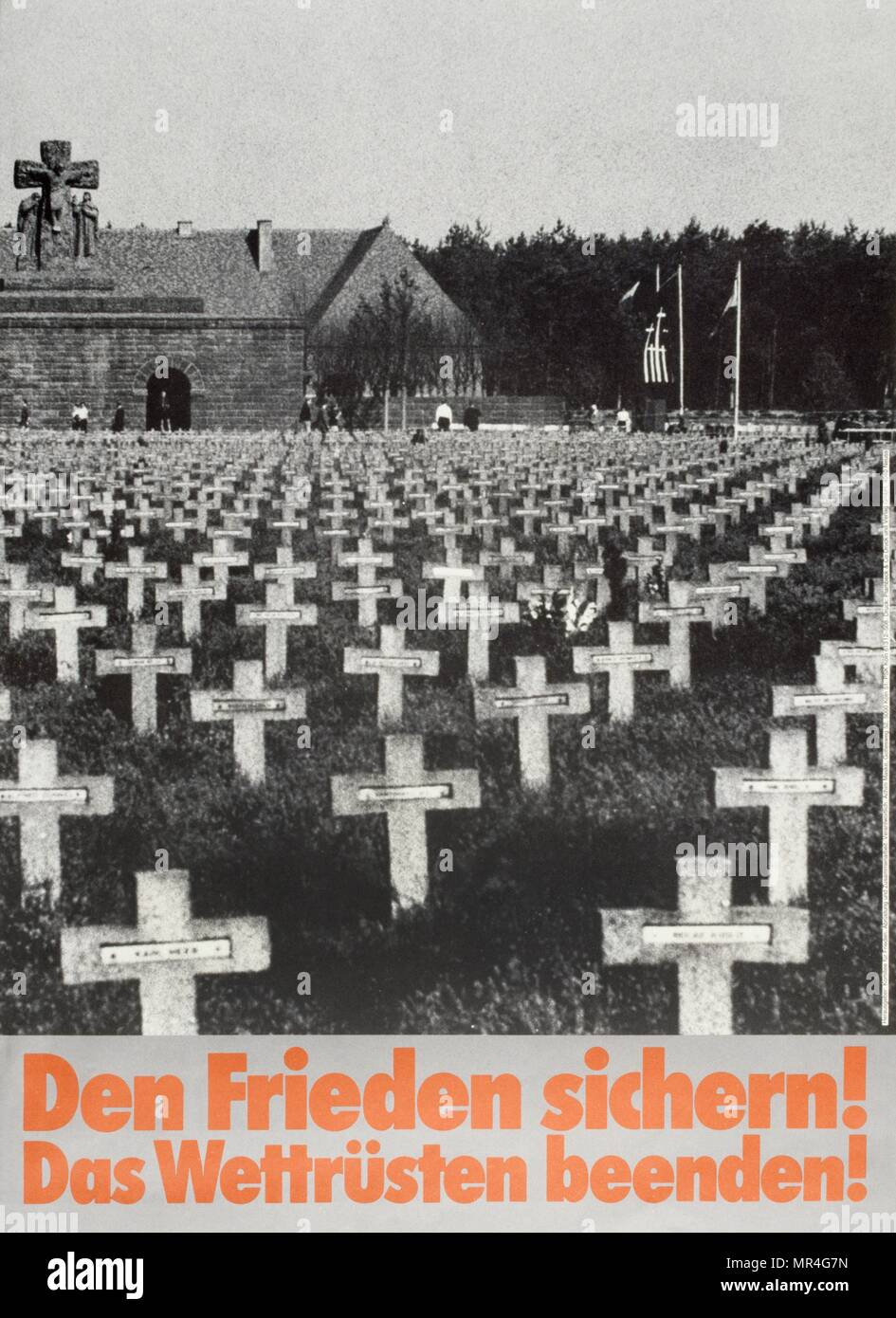 Den frieden sichern (para asegurar la paz), alemán, anti-armas nucleares, contra la guerra, la paz, el póster de la campaña durante la guerra fría 1983 Imagen De Stock