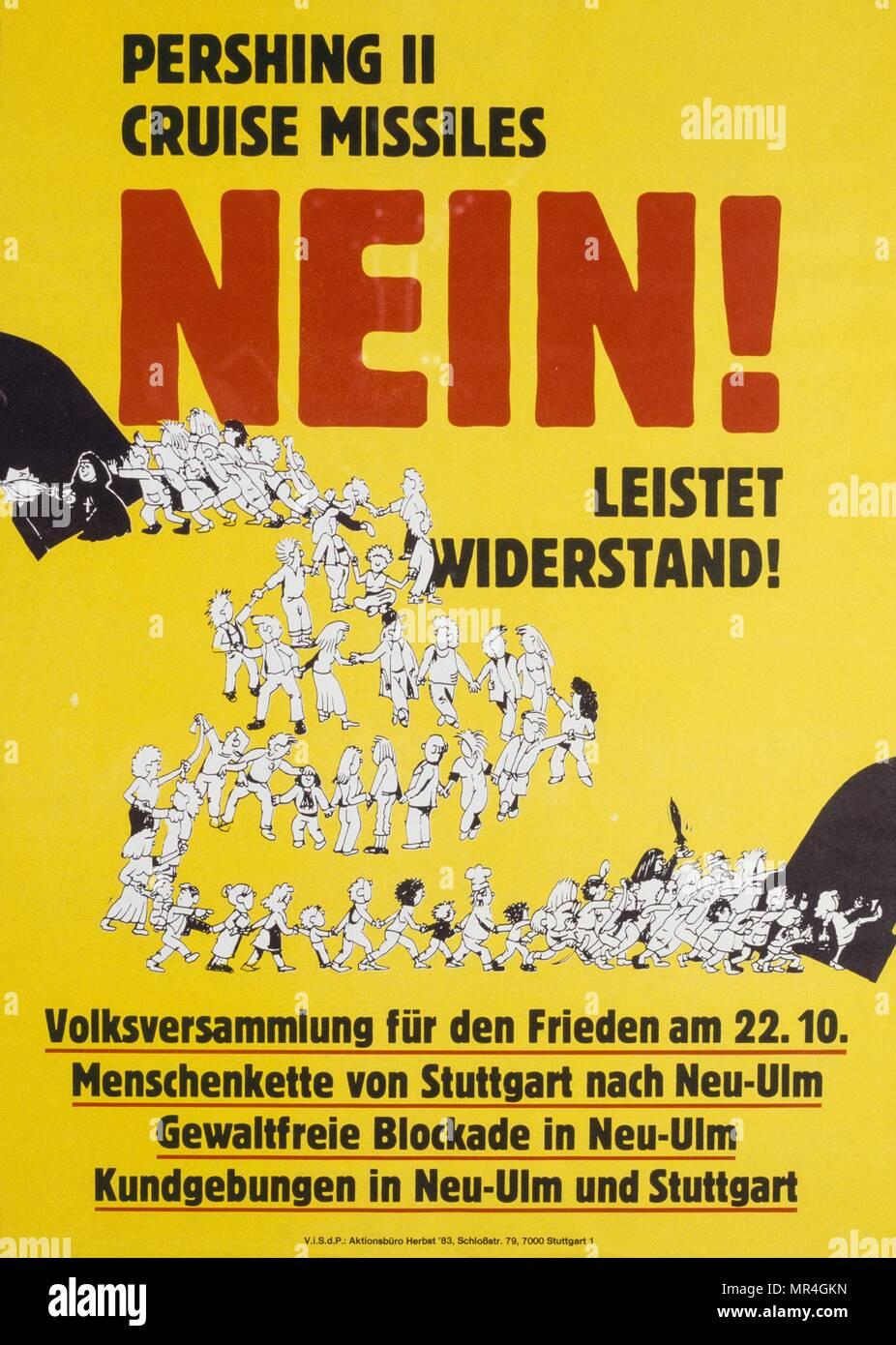 Cartel alemán haciendo campaña a favor de la paz 1981, producido durante la guerra fría Imagen De Stock