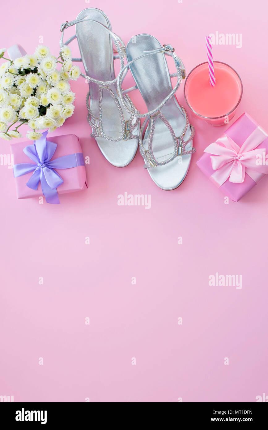 f2b61827403 Caja de regalo con cinta de satén de proa para las mujeres flores comprar  zapatos un