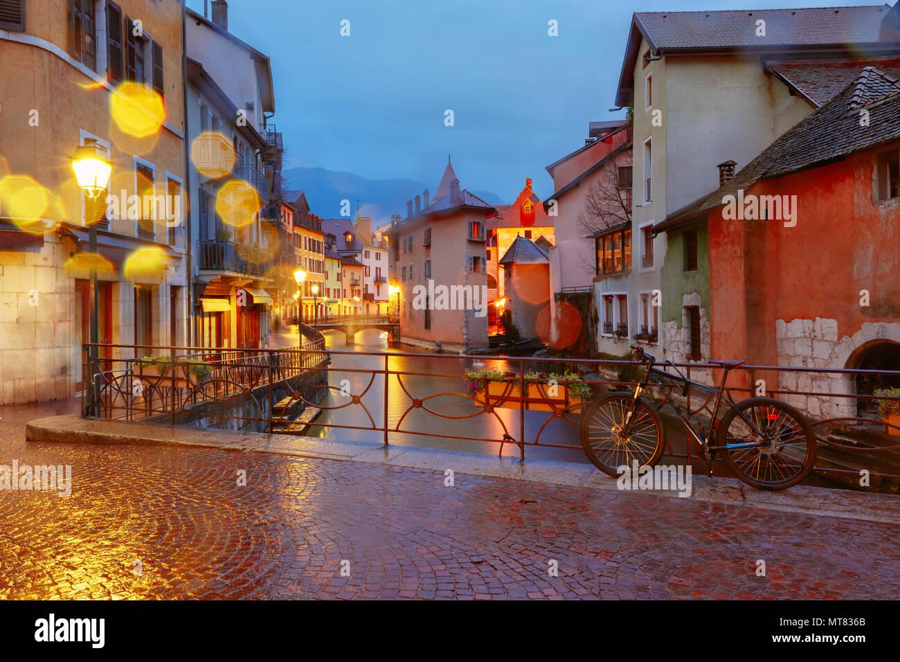 Annecy, llamada la Venecia de los Alpes, Francia Foto de stock