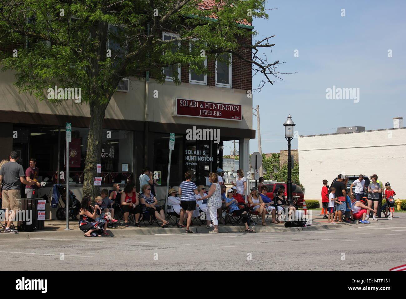 Ciudad pequeña escena desde el Memorial Day Parade 2018 en la exclusiva Park Ridge, Illinois. Imagen De Stock