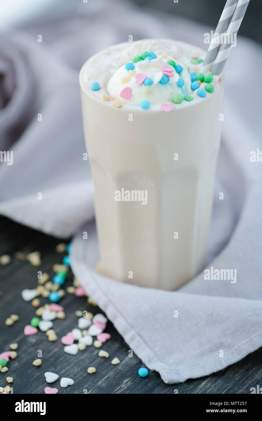 Latte Foto de stock