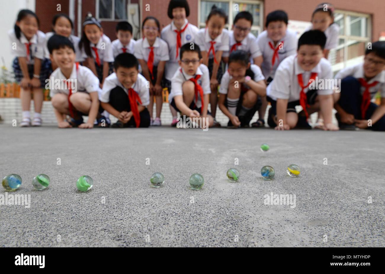 Handan Handan China El 31 De Mayo 2018 Handan China Ninos