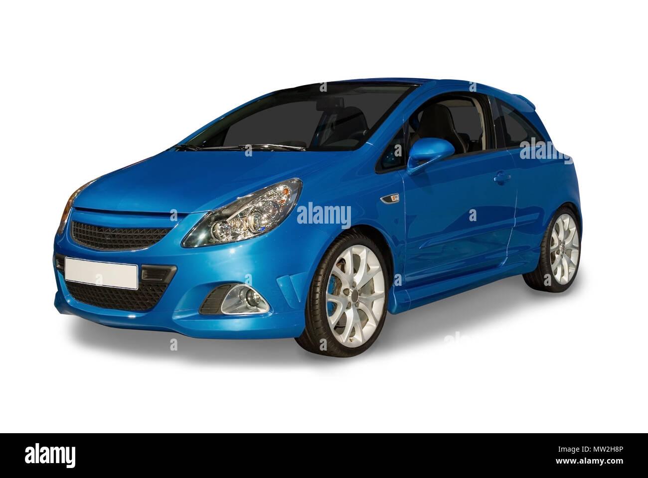 Azul efficeint combustible nuevo coche híbrido. Los pequeños automóviles híbridos son el futuro de la industria. Aislado en un fondo blanco con un detalle de sombras dibujado Imagen De Stock