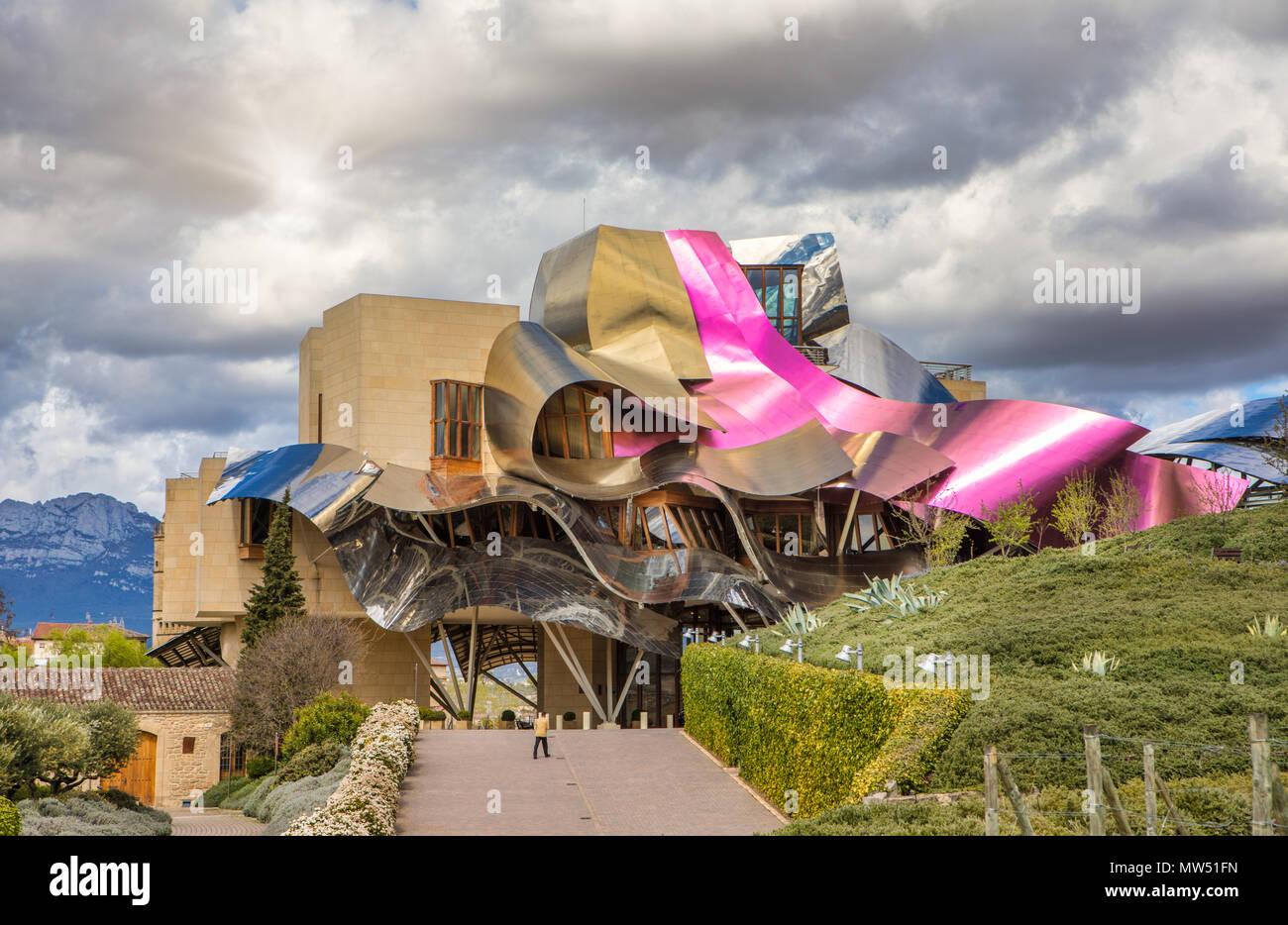 El ciego ciudad arquitecto frank gehry la rioja provincia de logro o el hotel marques de - Arquitecto bodegas marques de riscal ...