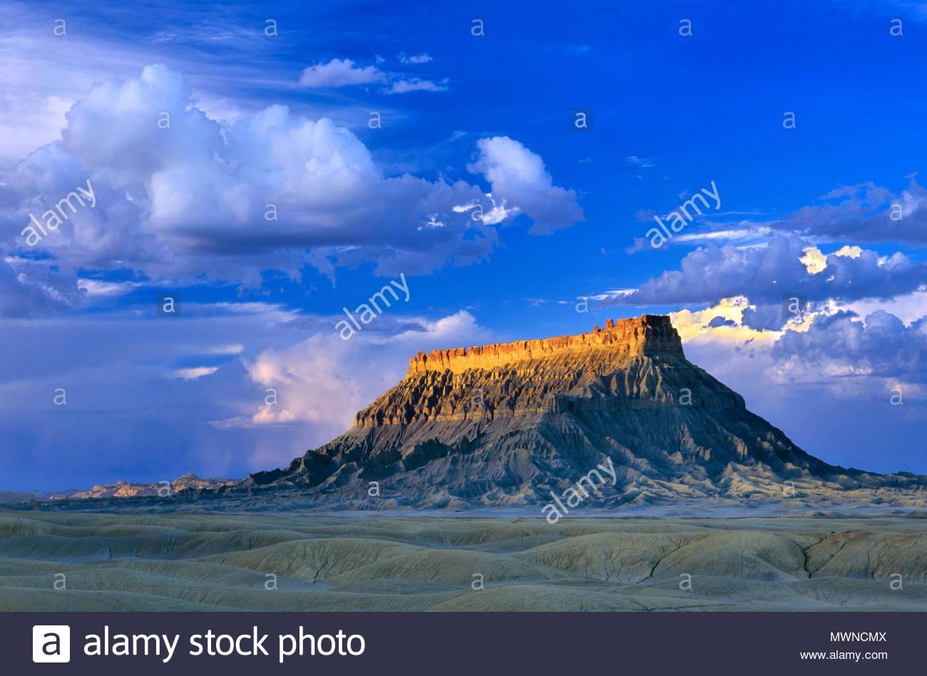 Factory Butte, tierras de la BLM, Wayne County, Utah Imagen De Stock