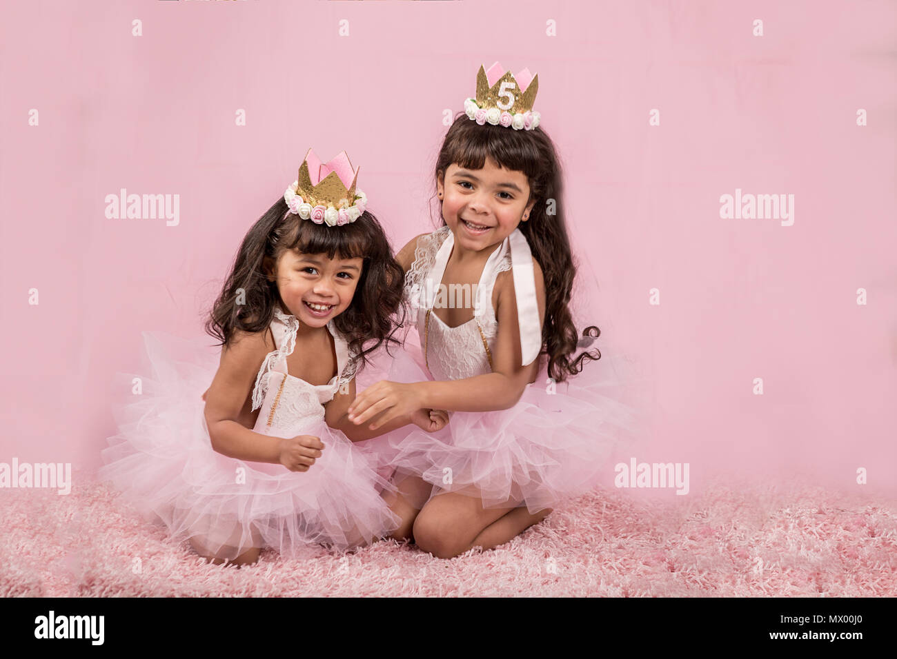 Playing Princesses Imágenes De Stock & Playing Princesses Fotos De ...