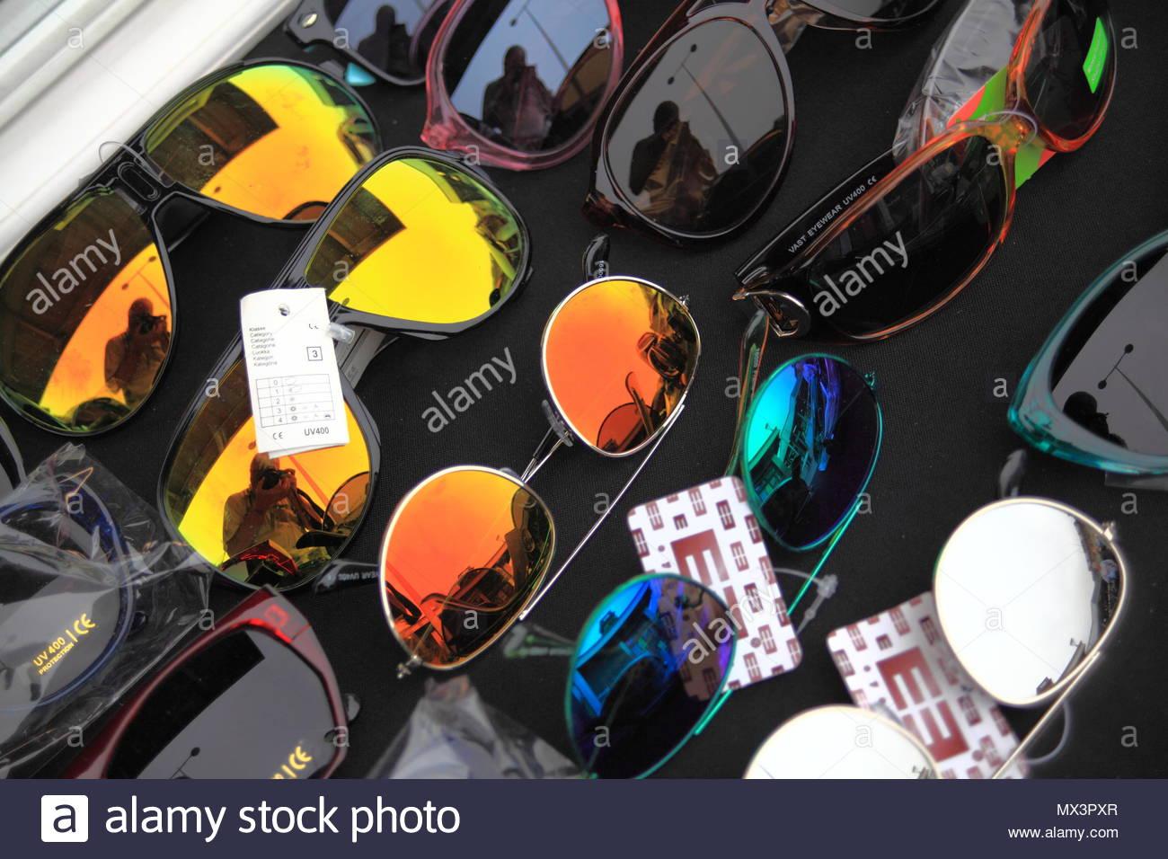 4a0d8d314f Gafas de sol para la venta en Ashton-Under-Lyne Tameside mercado al aire