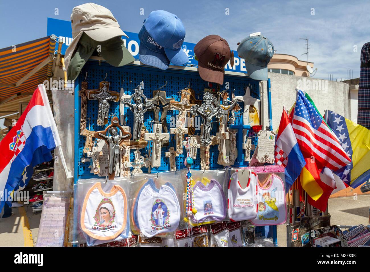 c616e3613ca Visualización de una tienda de regalos religiosos en Međugorje Medjugorje  (o)