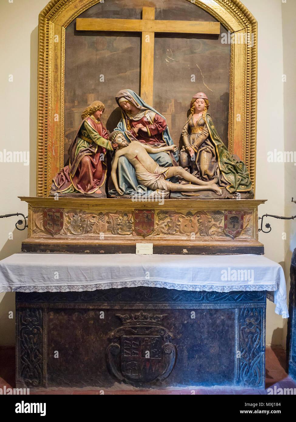 Piedad. Iglesia de Santa María la Mayor en la Colegial. Talavera de la Reina. Conjunto histórico artístico. Provincia de Toledo. España. Imagen De Stock