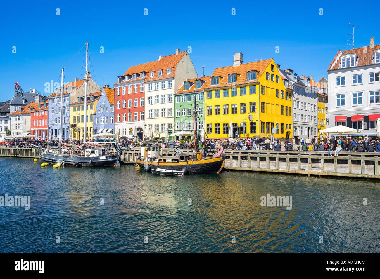 El Waterfront Canal Nyhavn en Copenhague, Dinamarca. Foto de stock