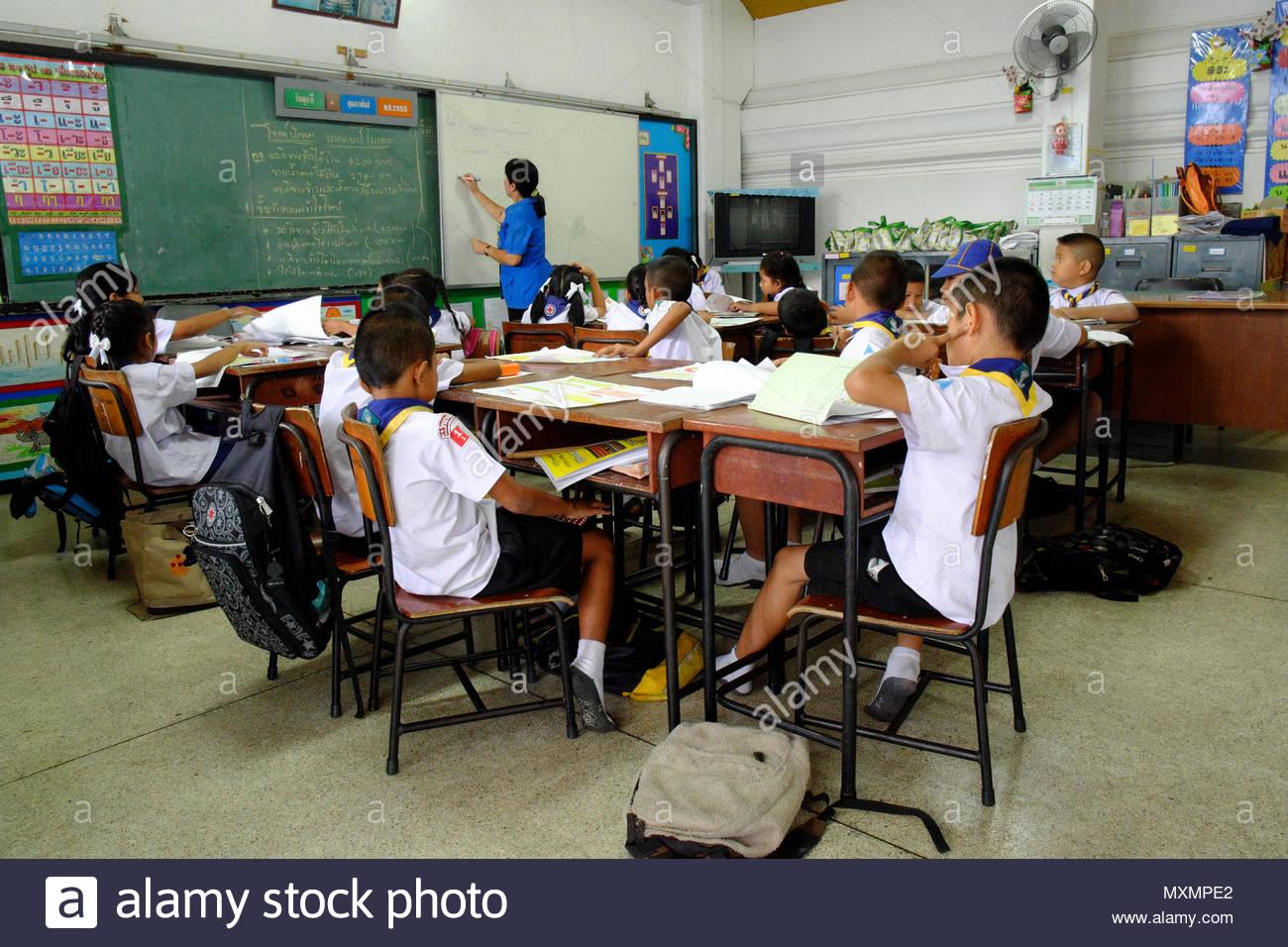 Asien, Tailandia, Bangkok, Blick en ein Klassenzimmer, Primery *** *** título Local Escolar de 5 a 9 años, asiática, la forma, la educación ins Imagen De Stock