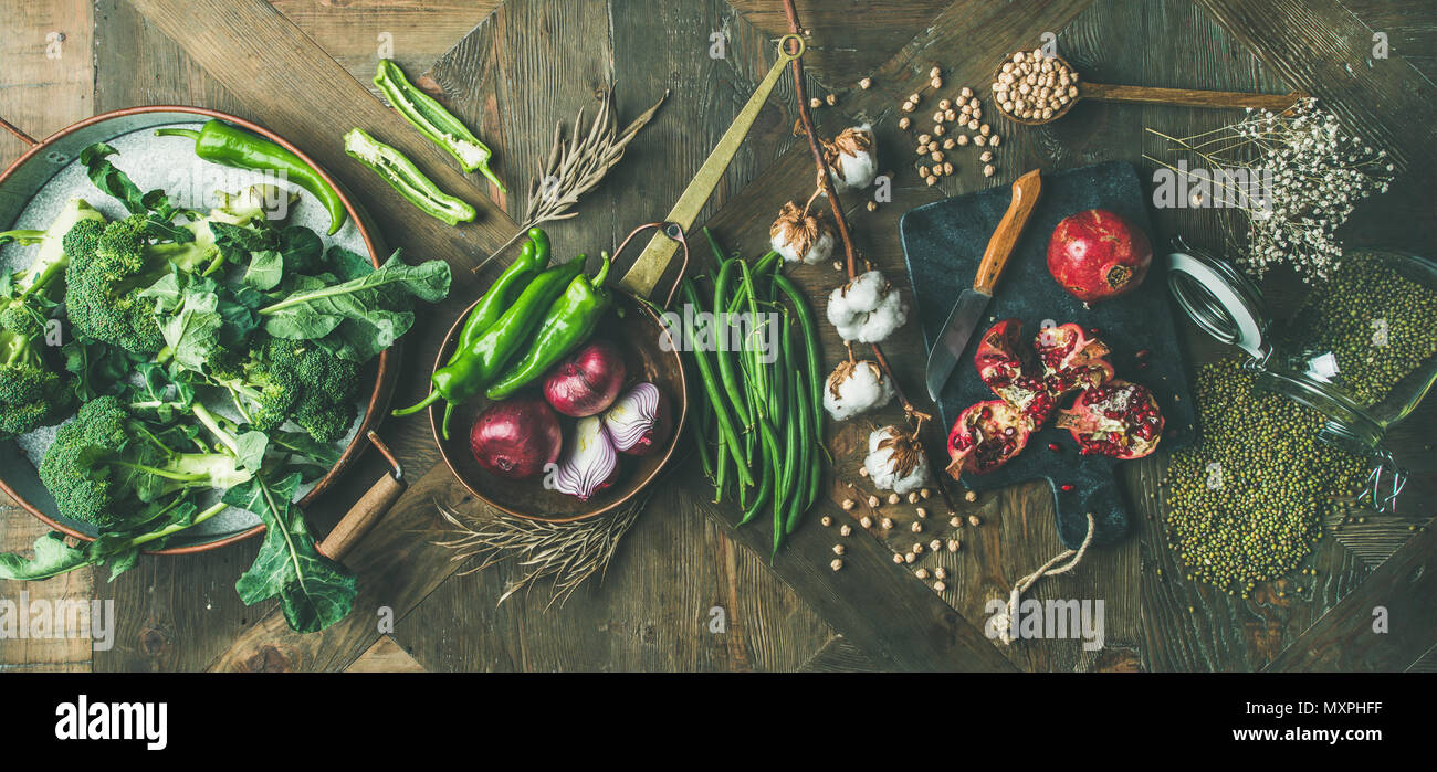 Invierno vegetariano o vegano ingredientes para cocinar alimentos, amplia composición Imagen De Stock