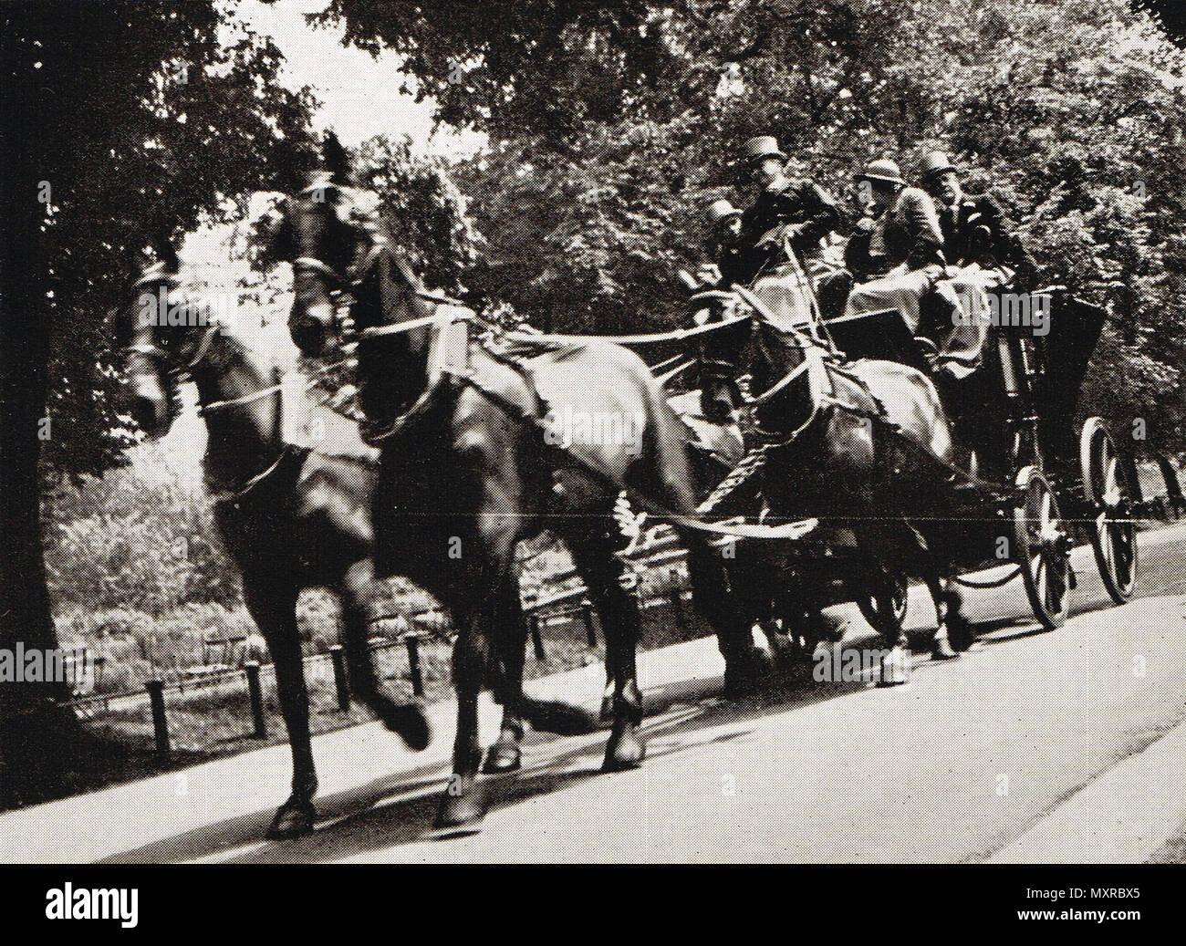 Reactivación de la cuatro-en-mano club en Hyde Park, Londres, Inglaterra, a comienzos del siglo XX. Imagen De Stock