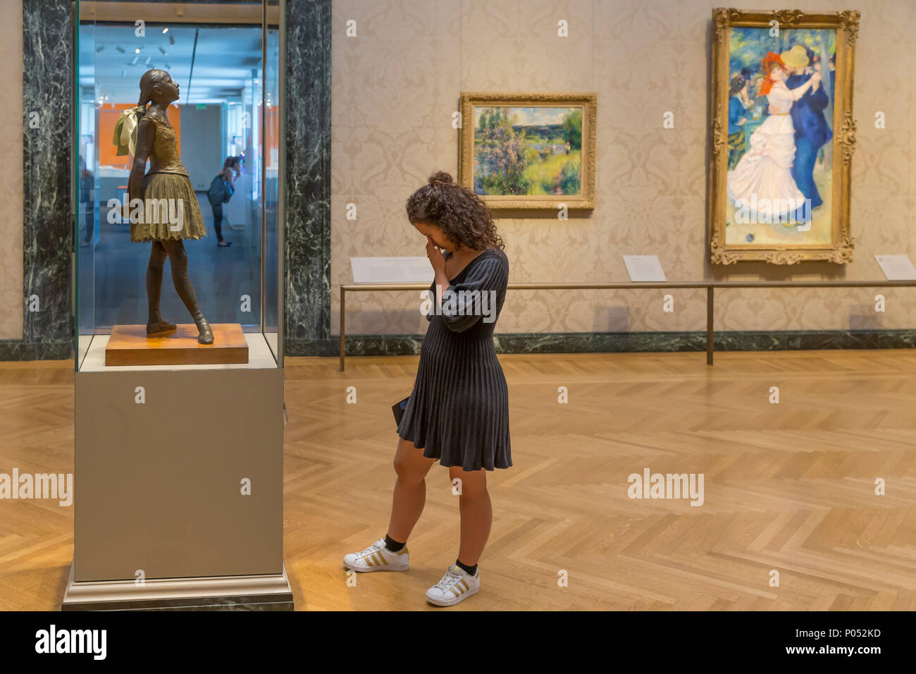 Joven admira la Pequeña bailarina de 14 años de edad, Edgar Degas, 1888, Museum of Fine Arts, Boston, Mass, Estados Unidos, América del Norte Imagen De Stock