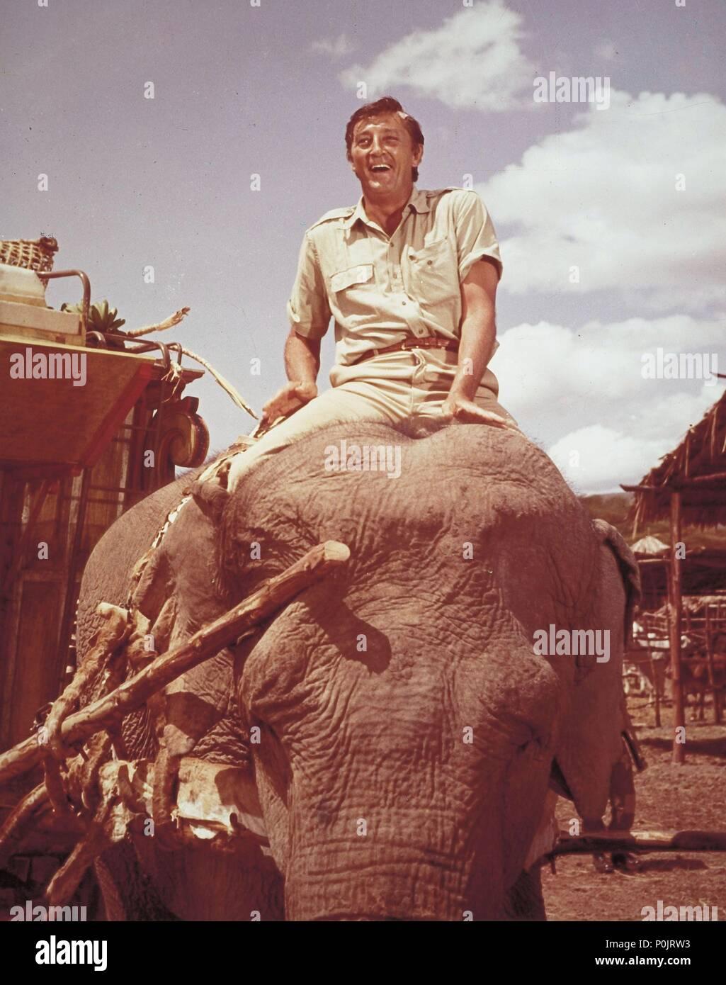 El título de la película original: Mister Moisés. Título en inglés: Mister Moisés. El director de cine: Ronald NEAME. Año: 1965. Estrellas: Robert Mitchum. Crédito: United Artists / Álbum Foto de stock