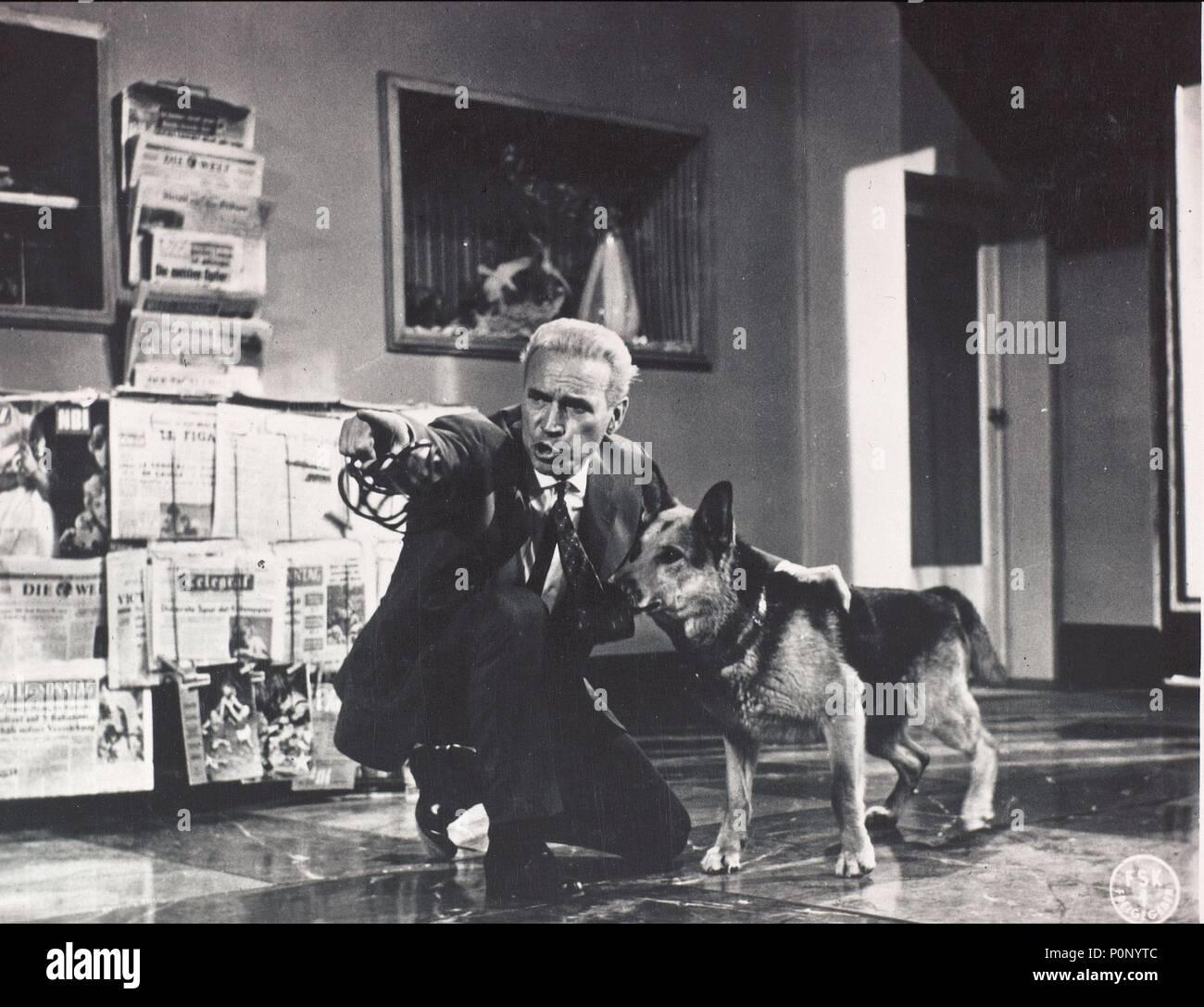 El título de la película original: 1000 AUGEN DES DR. MABUSE, mueren. Título en inglés: MIL OJOS DE DR. MABUSE, el. El director de cine: FRITZ LANG. Año: 1960. Crédito: CENTRAL CINEMA COMPANY FILM / Álbum Foto de stock