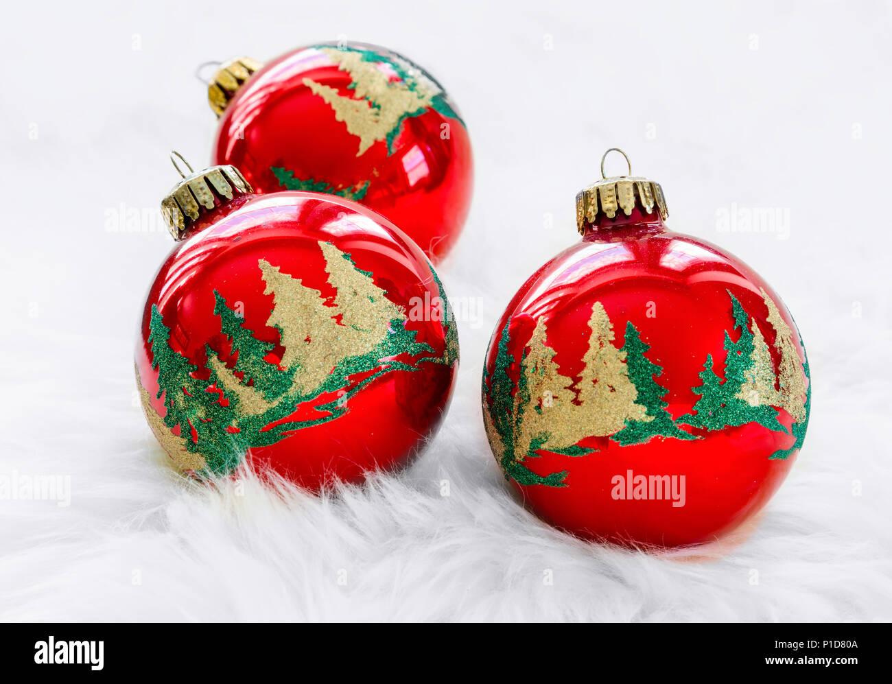c69203f1262 Adornos De Navidad Imágenes De Stock   Adornos De Navidad Fotos De ...