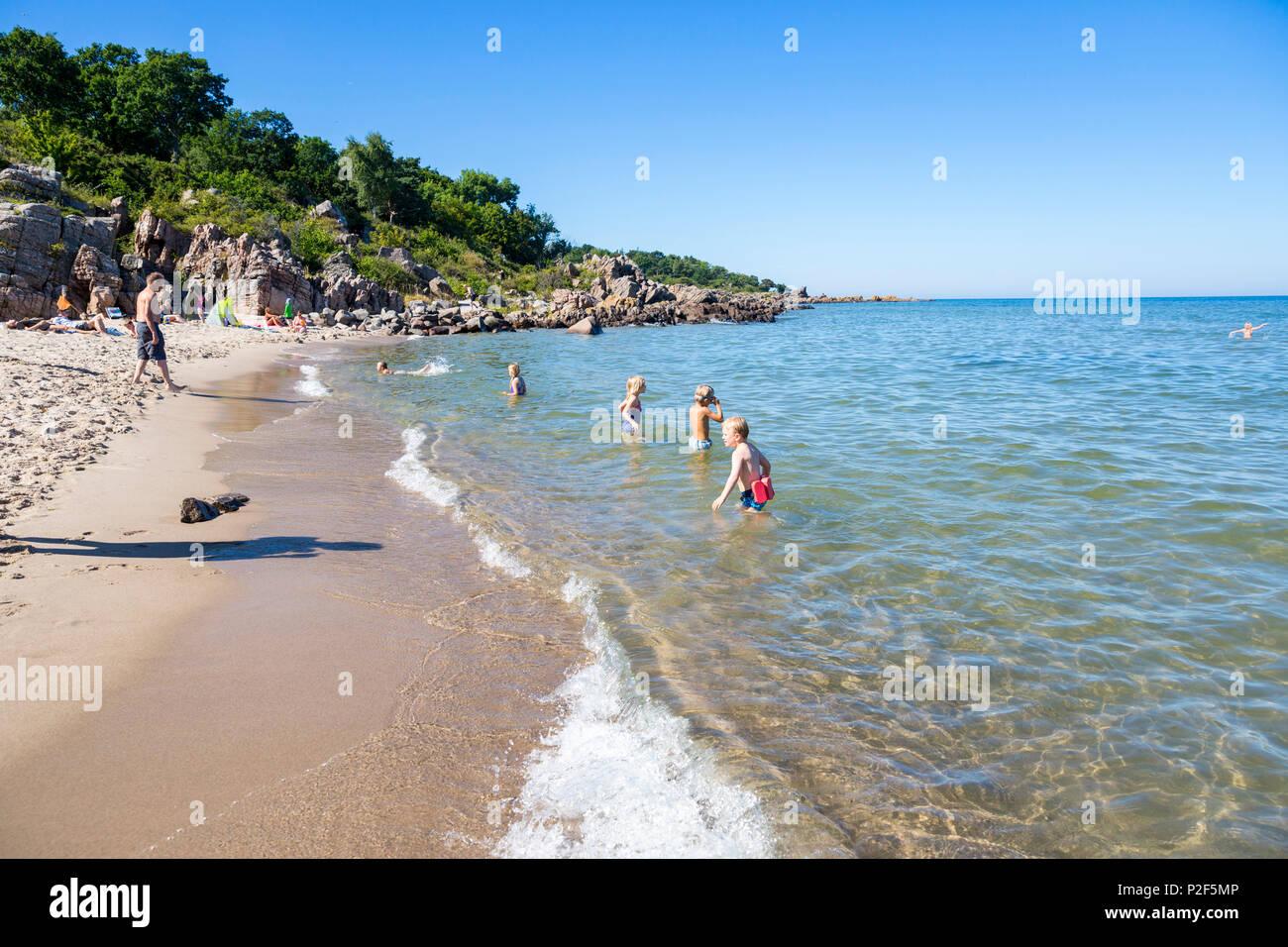 52ad91c0a Bathing In The Sea Imágenes De Stock   Bathing In The Sea Fotos De ...