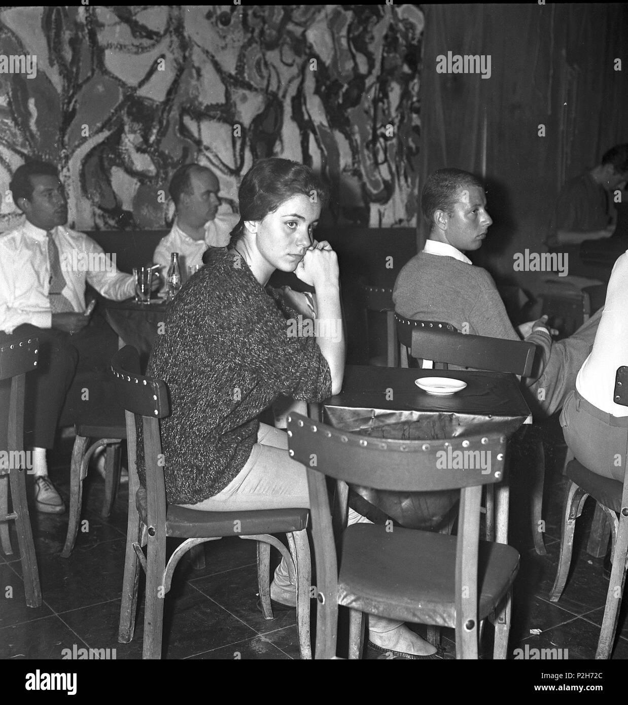 27842bdb3 Ambiente en la sala Jamboree. Barcelona, a principios de los años 60 ...