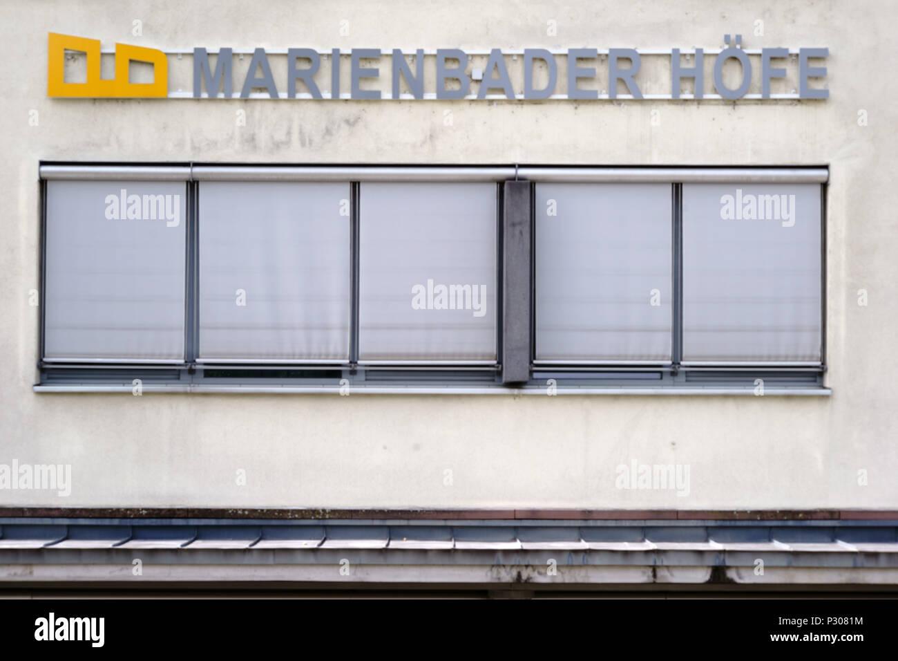 Bad Homburg, Alemania - 19 de mayo de 2018: los complejos residenciales y de oficinas Marienbader Hoefe en el centro de la ciudad el 19 de mayo de 2018, en Bad Homburg. Foto de stock