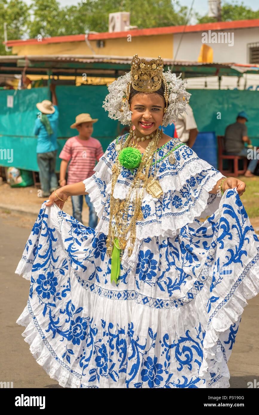 Los Santos Panama Noviembre 10 2015 Chica Con Vestimenta