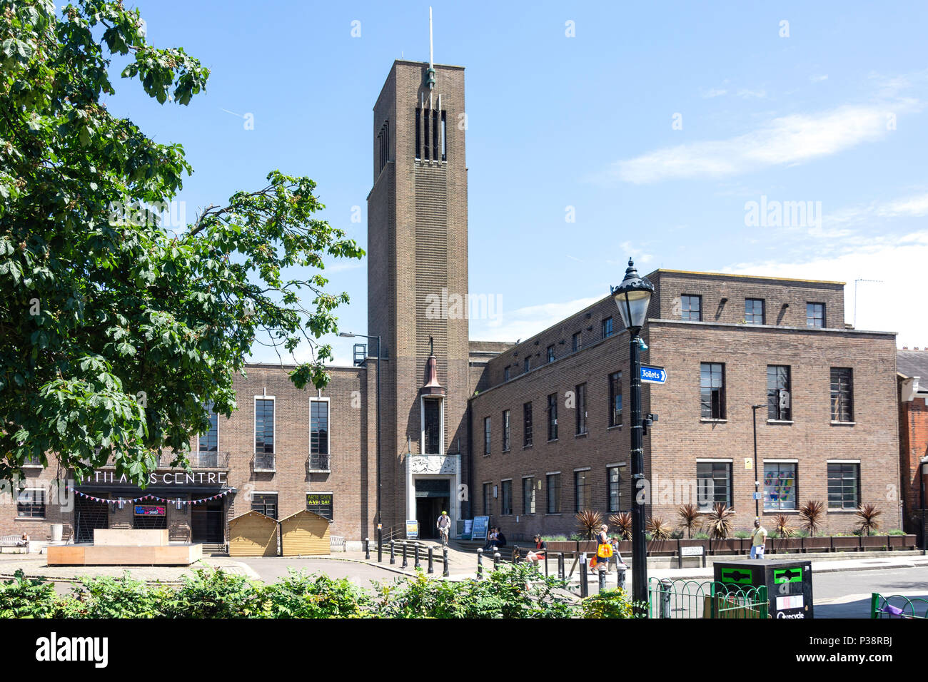 Hornsey Town Hall (edificio de apartamentos), el Broadway, Crouch End, London Borough of Haringey, Greater London, England, Reino Unido Imagen De Stock