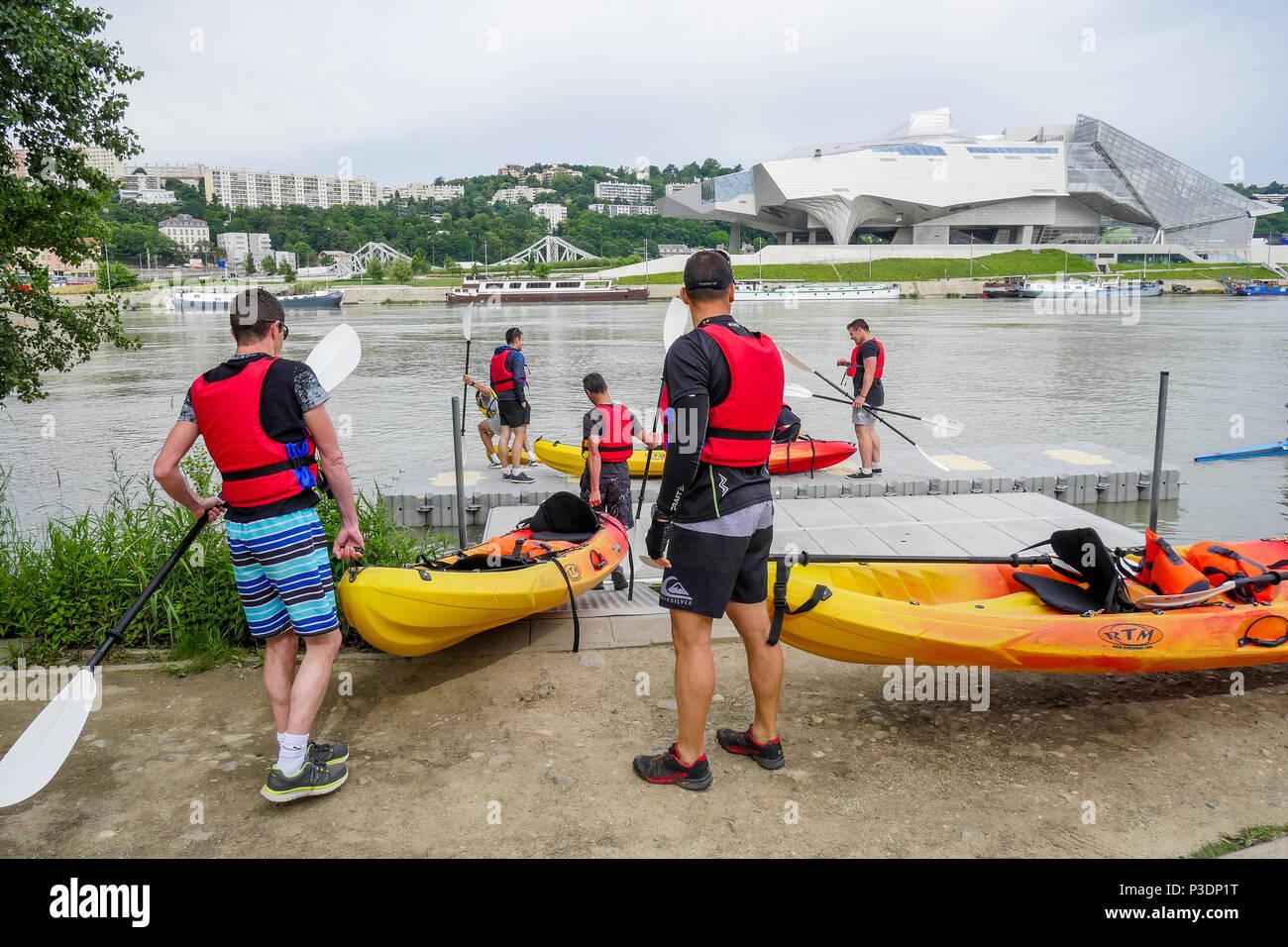 Los heridos de guerra Día: PLM raid canoa comienza en Lyon, Francia. Foto de stock