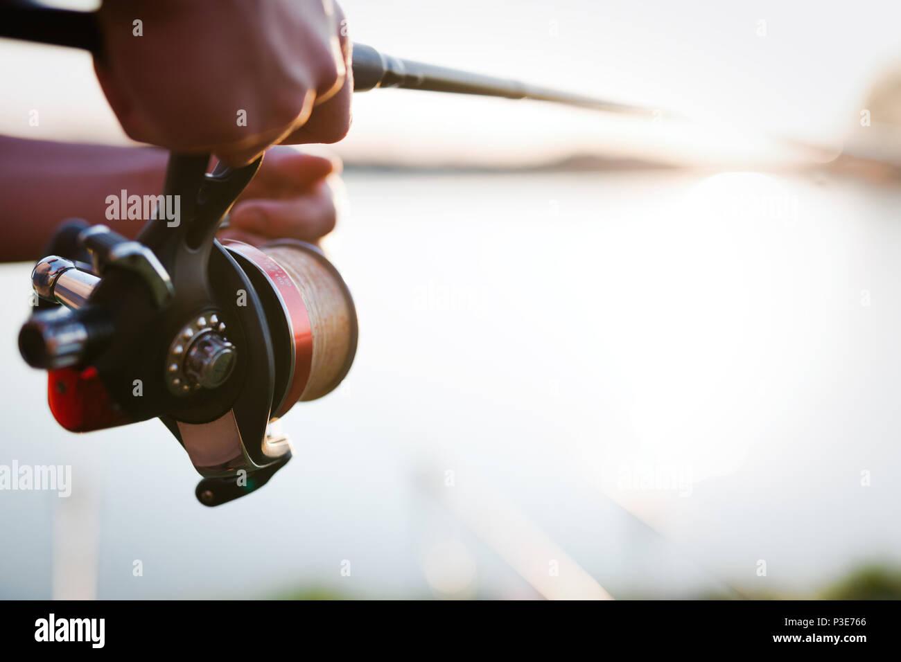 La pesca recreativa, hobby y concepto - los pescadores Imagen De Stock