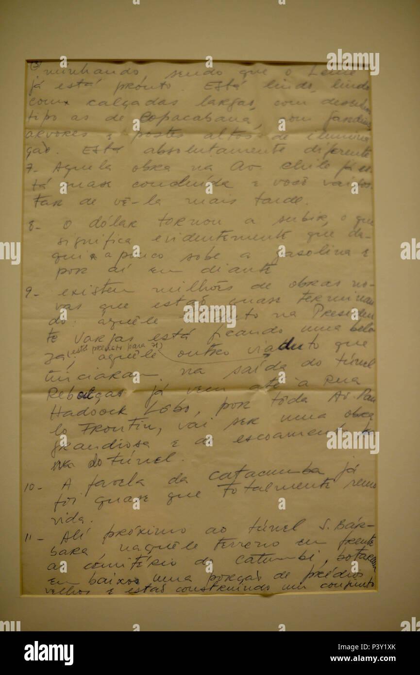 Uma carta original (de Fernanda para o marido, Raimundo Mendes, 19/11/1970) na exposição Carta Aberta - Correspondências na Prisão ningún Memorial da Resistência de São Paulo, localizado ningún centro de São Paulo. Imagen De Stock