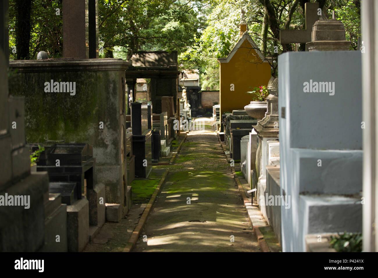 Onde está o túmulo Alameda do poeta e abolicionista Luiz Gama, no cemitério da Consolação, região central de São Paulo. Foto de stock