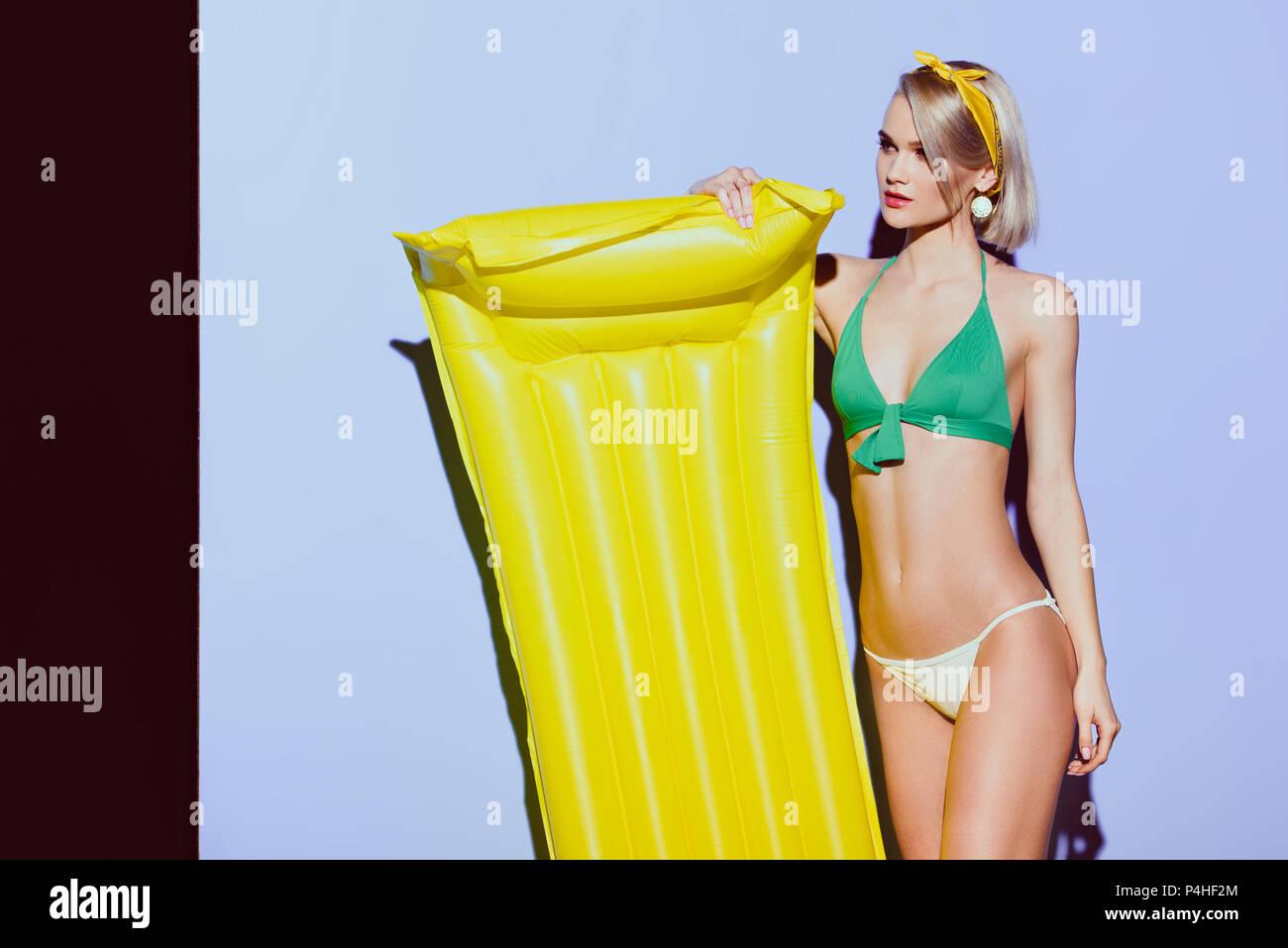 Imágenes Yellow Purple Bikini And De Stockamp; n0OP8wkX