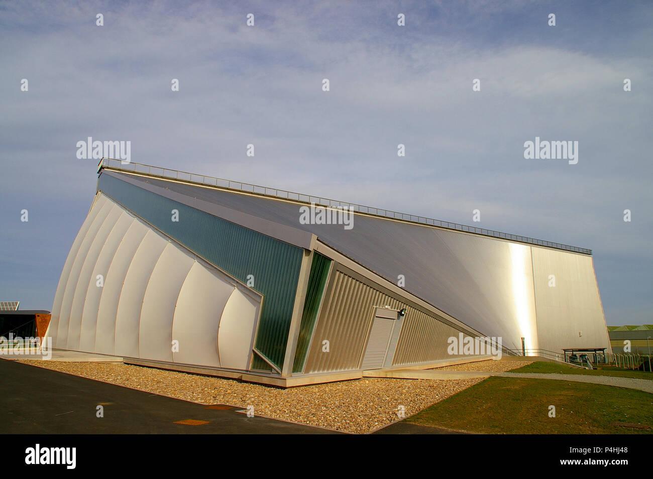 Exposición Nacional de la guerra fría, el museo RAF Cosford, un edificio diseñado por los arquitectos Fielden Clegg Bradley. RAF Cosford museo de aeronaves Imagen De Stock