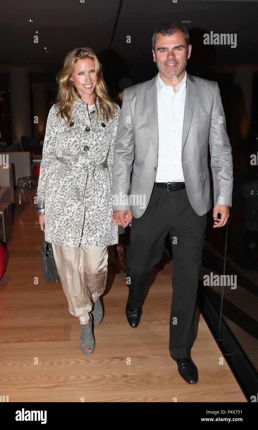 Judit Mascó y su marido, Eduard Vicente. Imagen De Stock